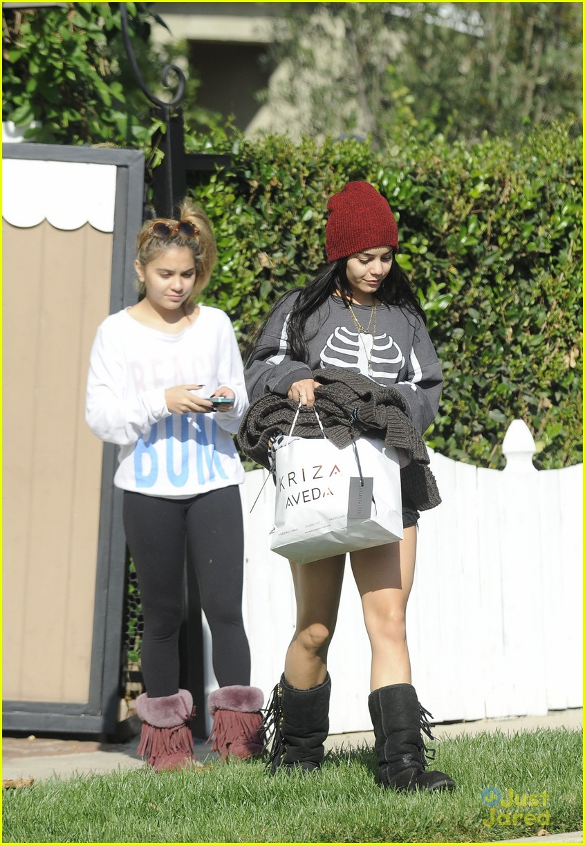 vanessa hudgens skeleton sweater halloween 10