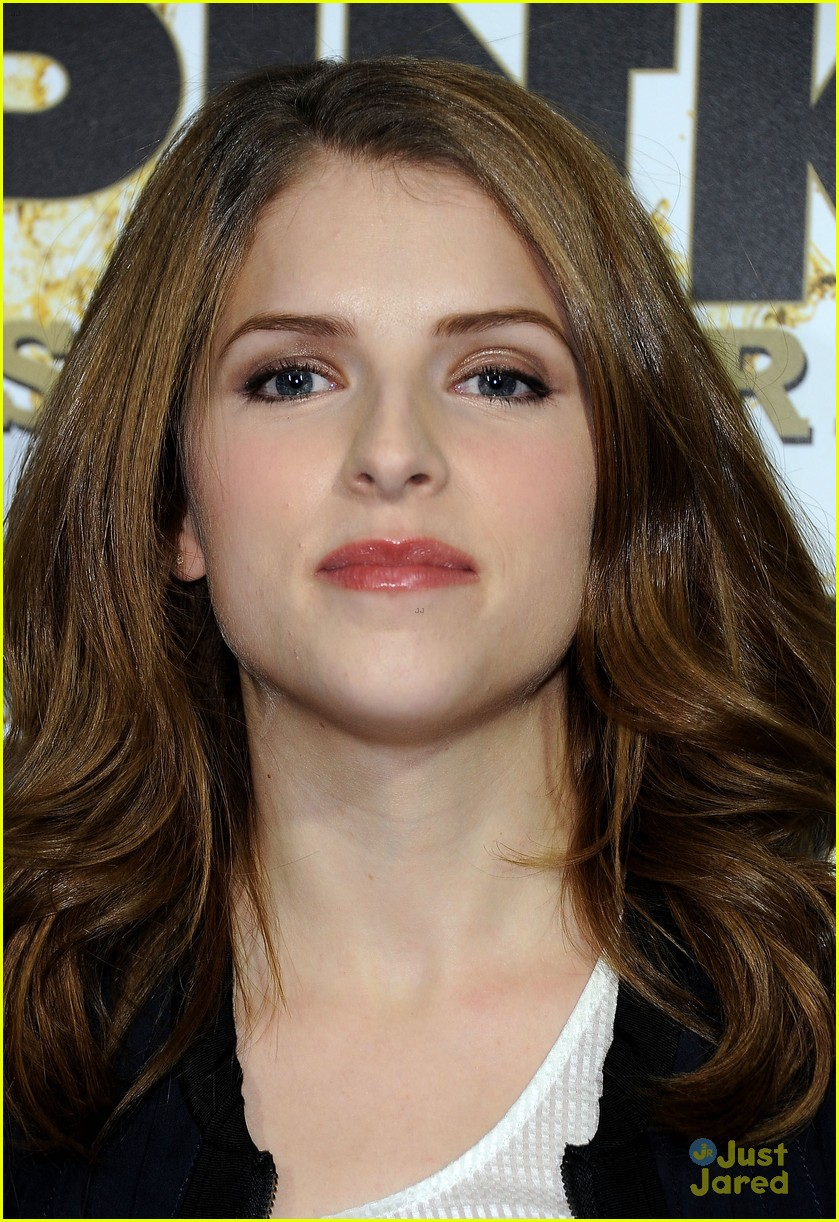 anna kendrick pitch perfect riff off was challenging 07