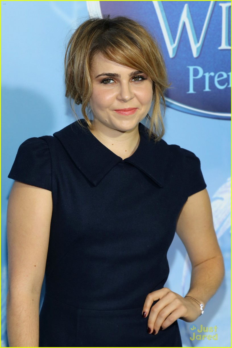 mae whitman secret premiere 04