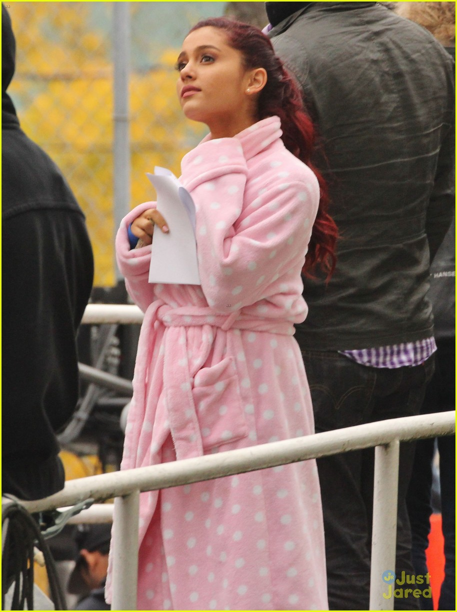 Amazing Ariana Grande On The Set Of Swindle-pic5053