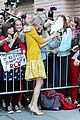 taylor swift gma katie nyc 14