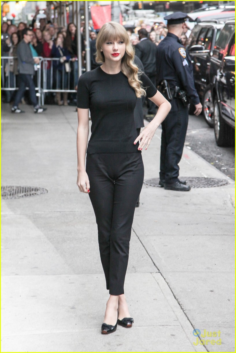 Taylor Swift Begin Again Video Watch Now Photo 505136 Taylor Swift Pictures Just Jared Jr