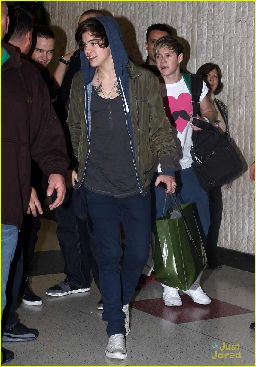 one direction jfk arrival 08
