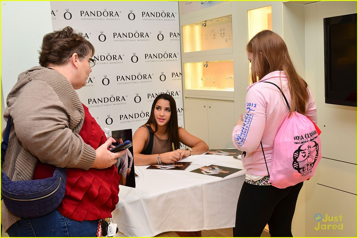 aly raisman pandora mg 25