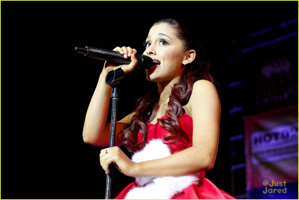 ariana grande roshon fegan citadel lighting 02