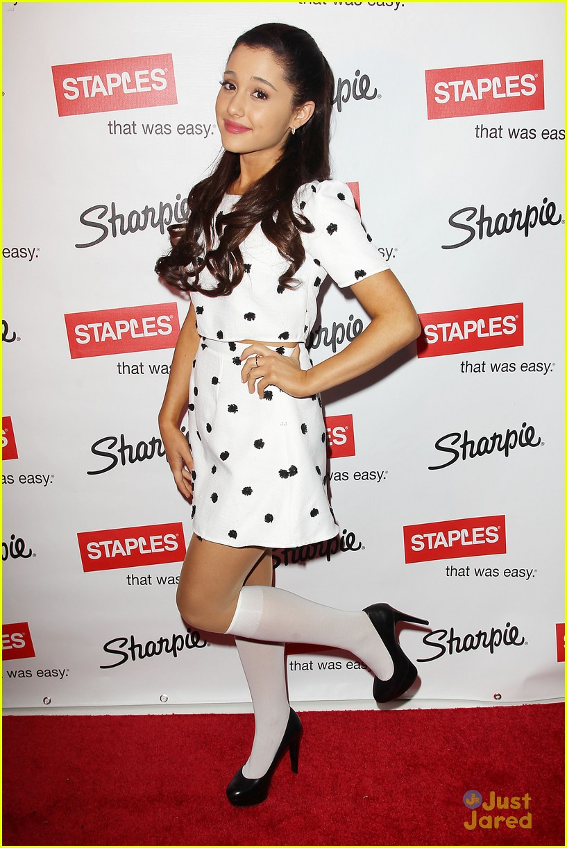 ariana grande sharpie 1d contest launch 07
