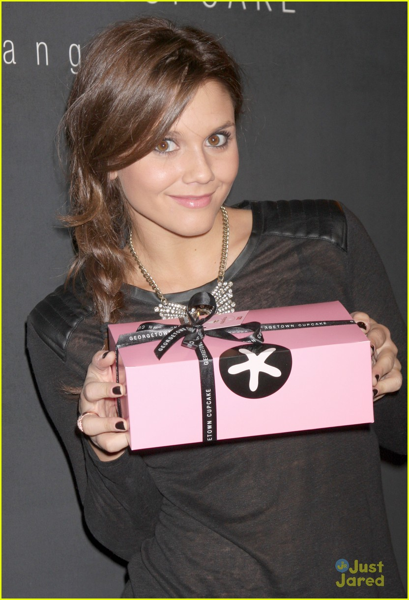 alexandra chando lindsey shaw georgetown cupcakes 03