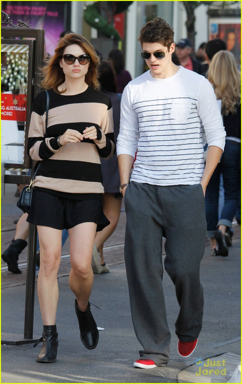 crystal reed daniel sharman zara 06