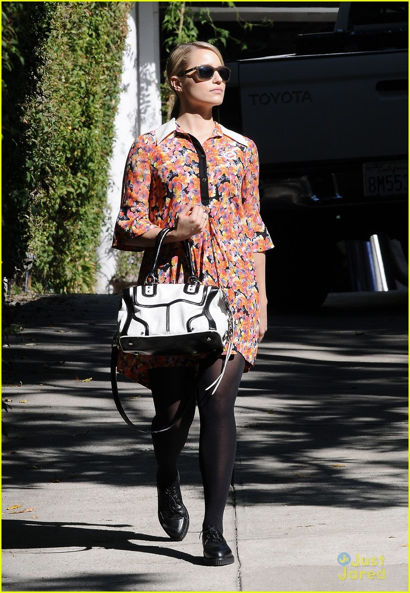 dianna agron vote sticker 04