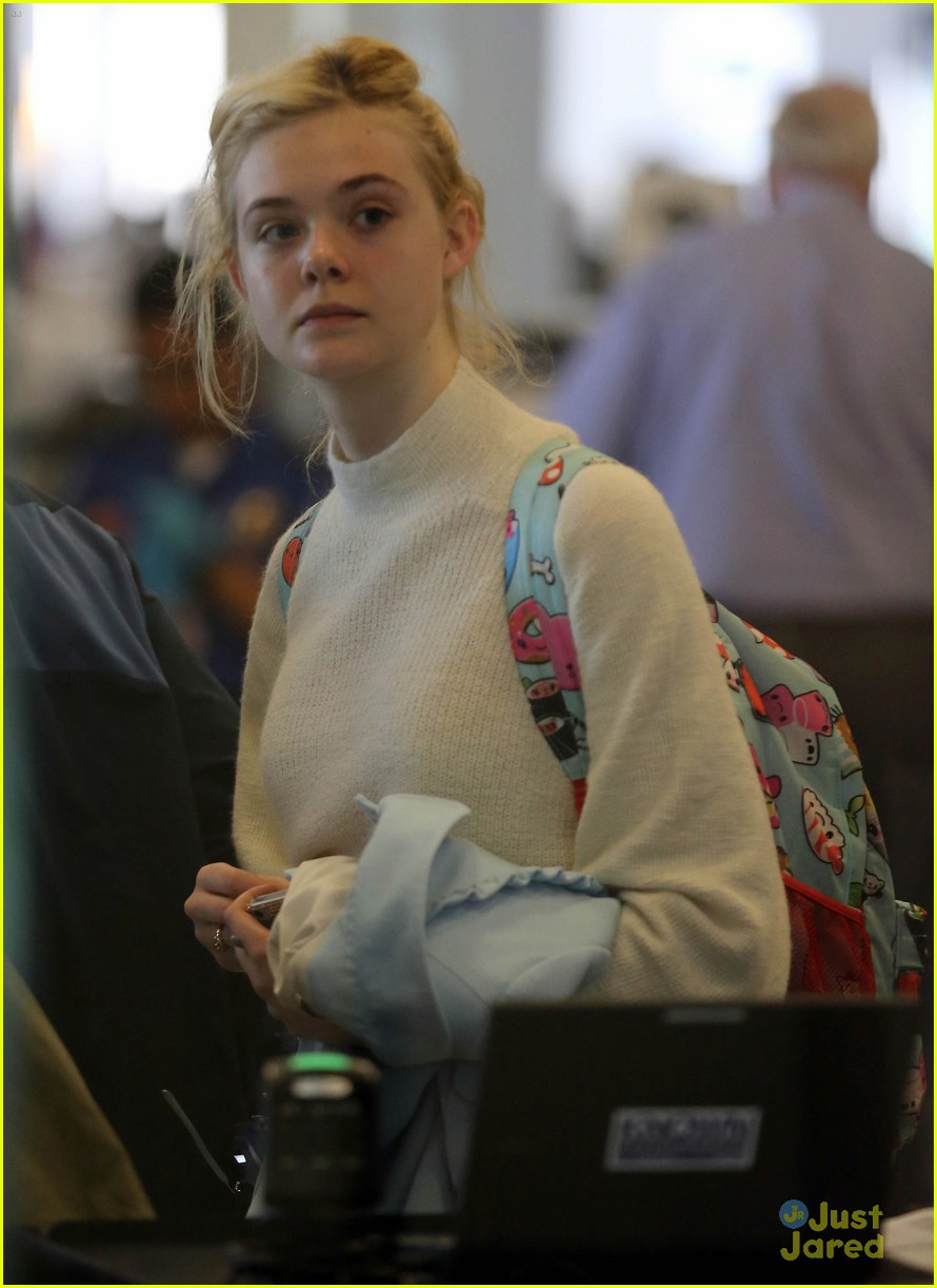 elle fanning lax nyc 02