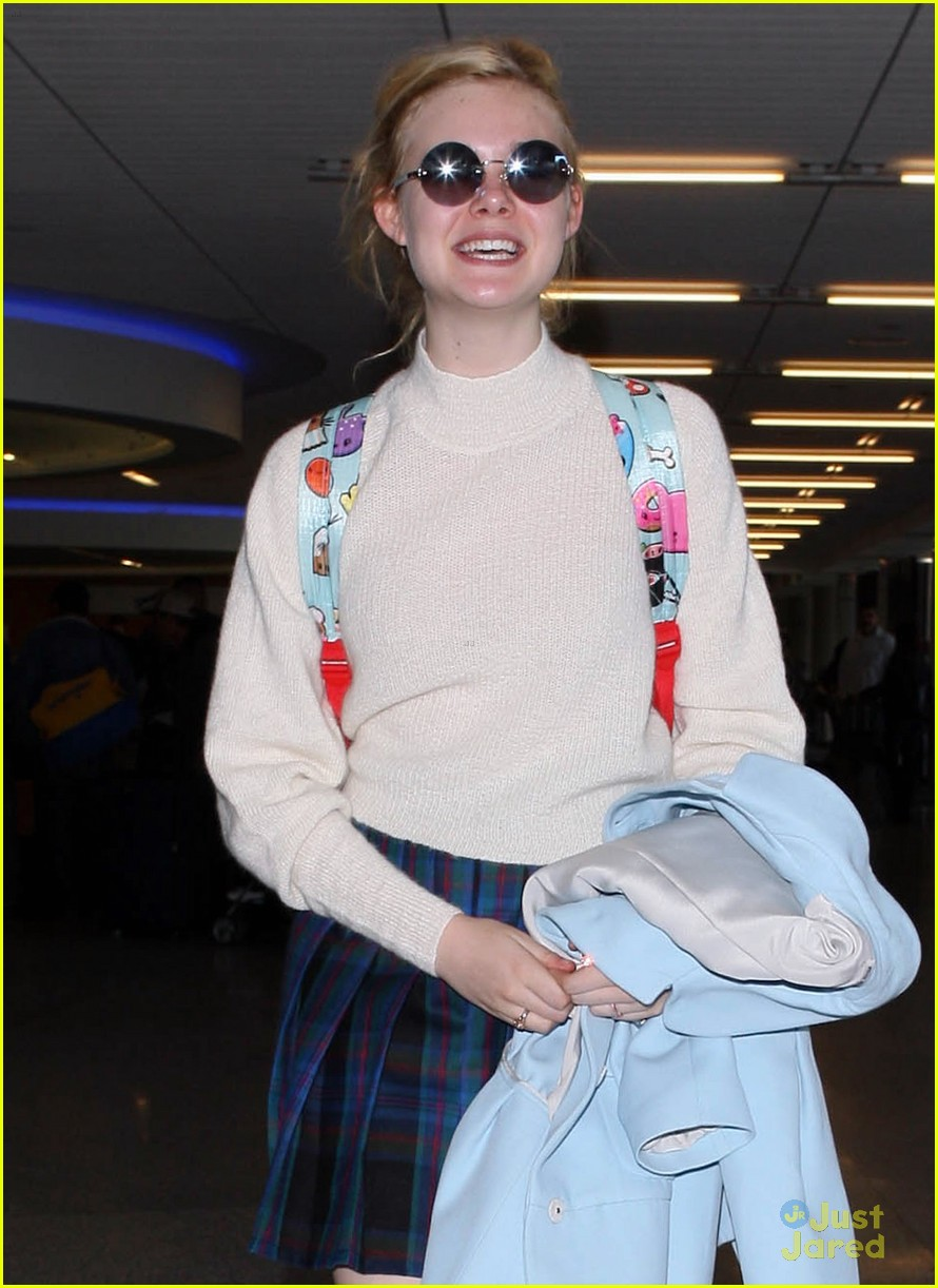elle fanning lax nyc 07