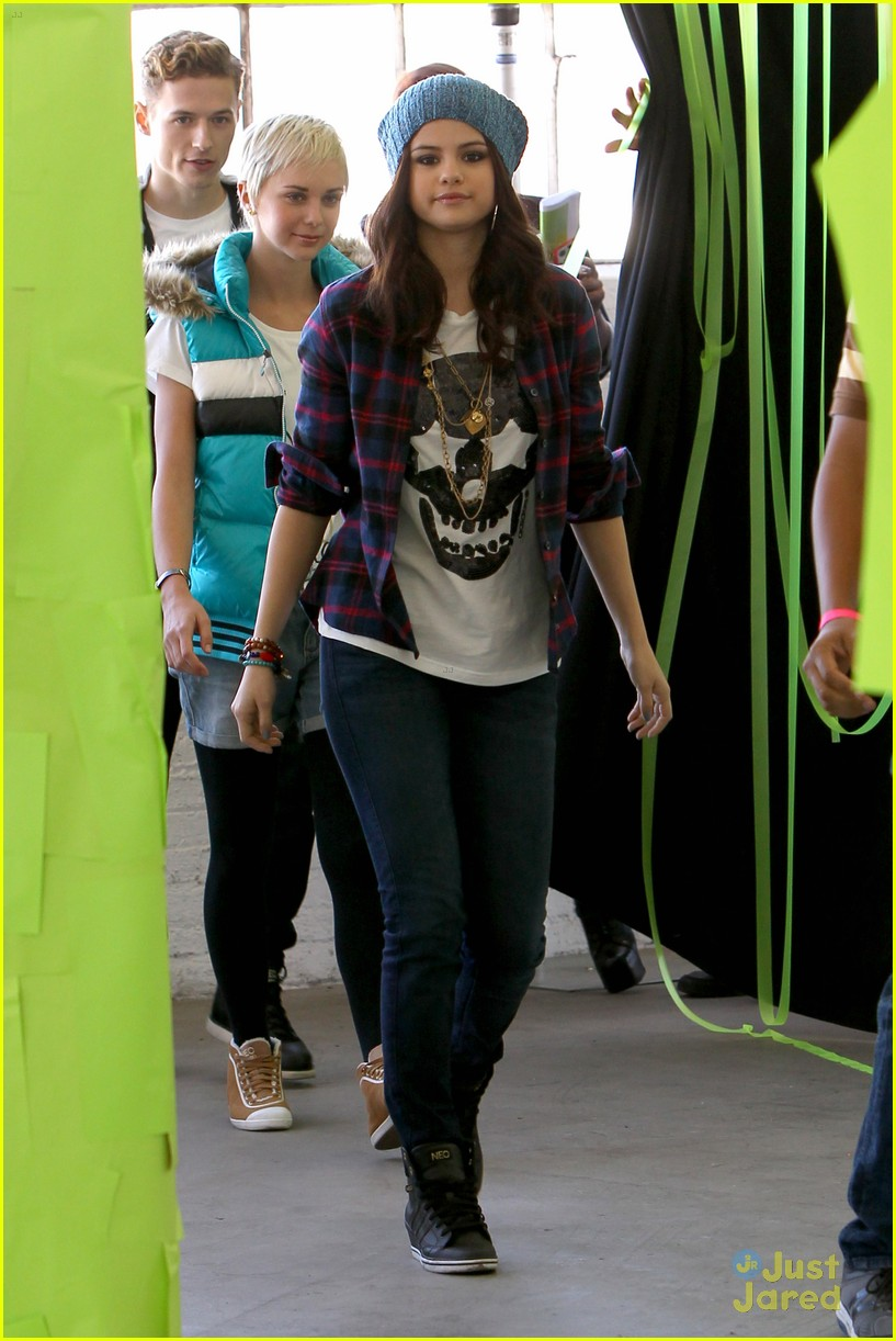 selena gomez adidas neo photo call 08