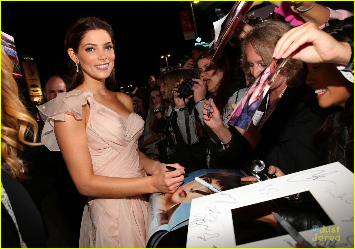 ashley greene bd premiere 06