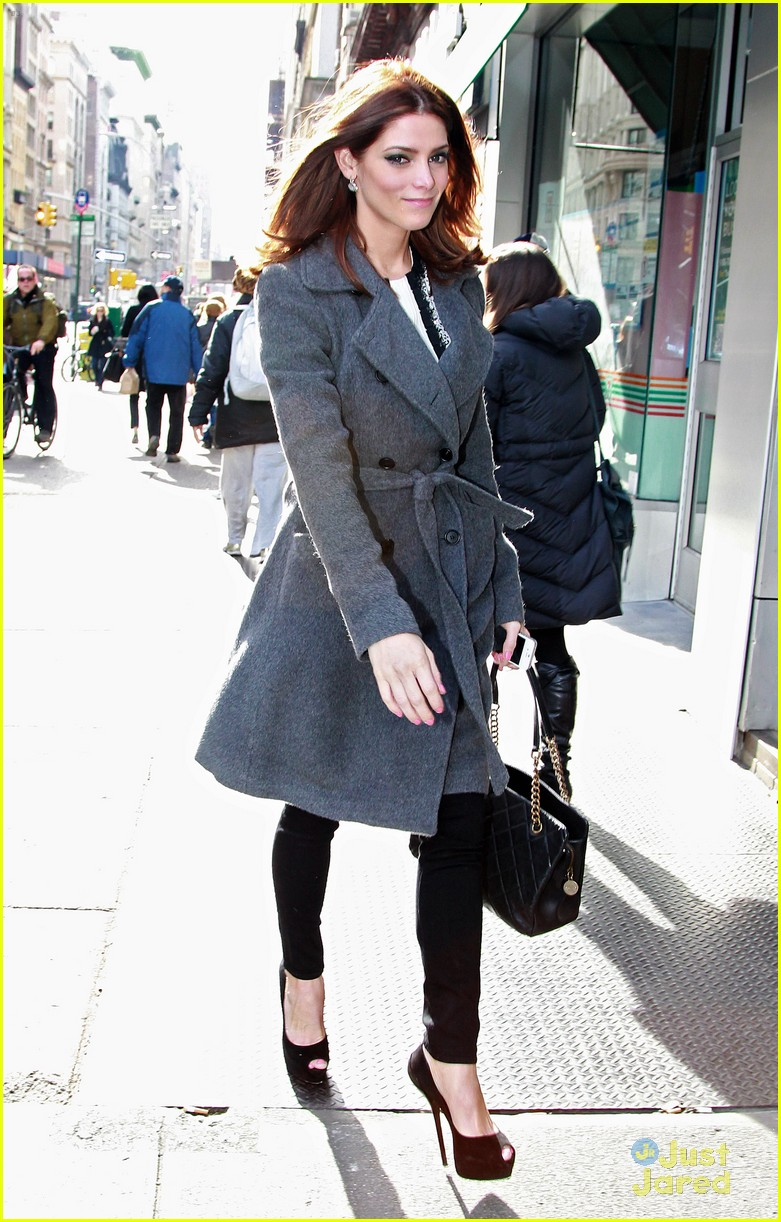 ashley greene today bd nyc 04