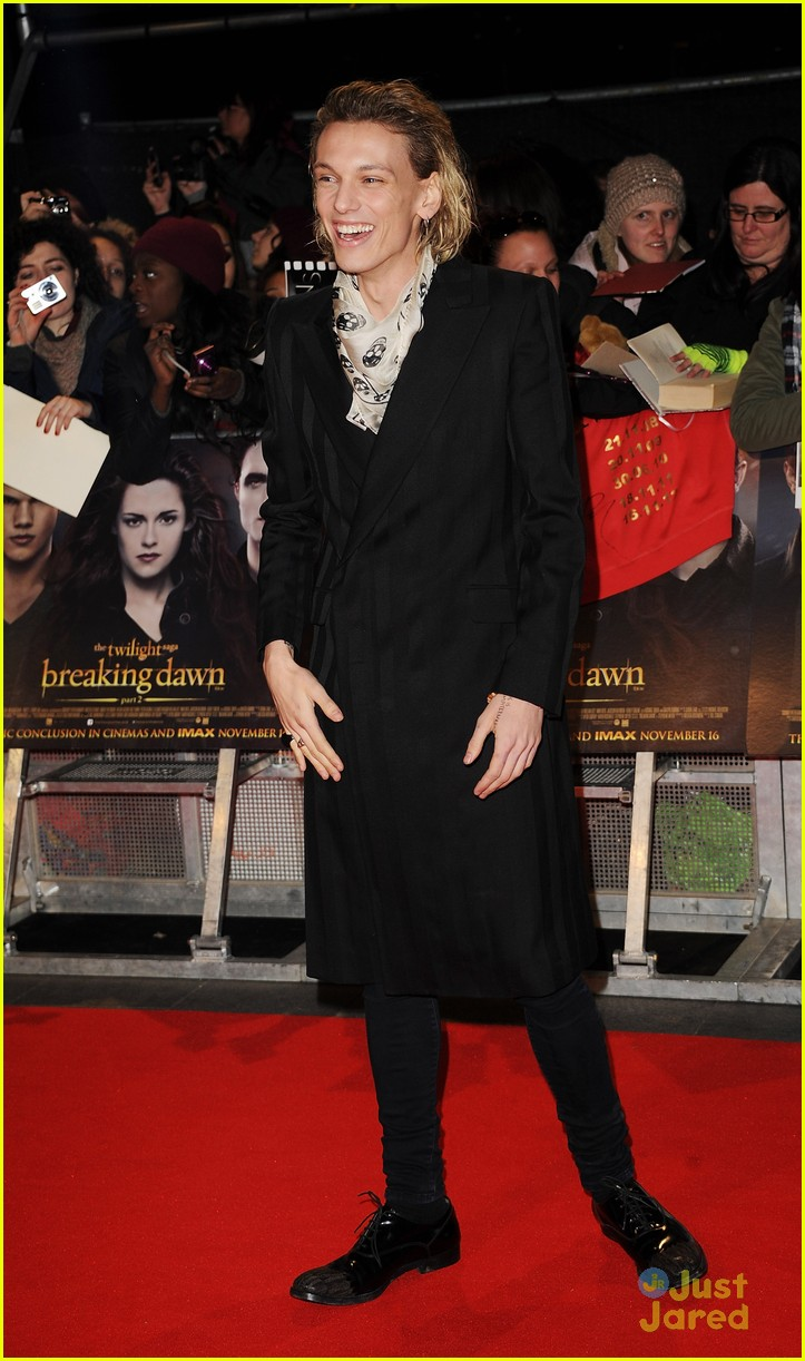 jamie campbell bower ella henderson twilight uk 01