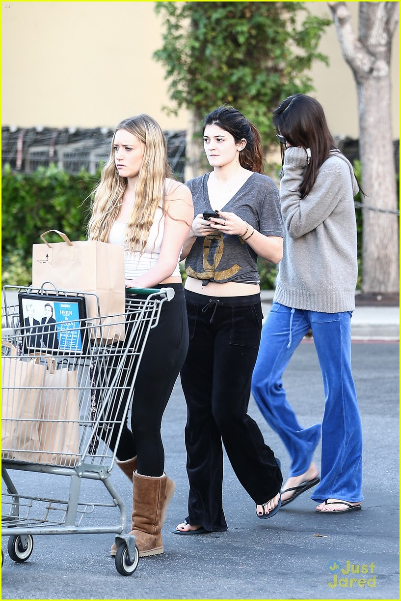 kendall kylie jenner grocery girls 08