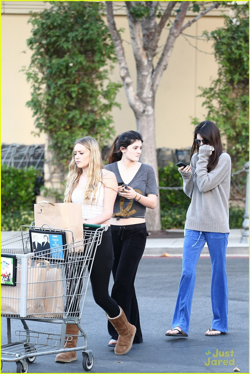 kendall kylie jenner grocery girls 09