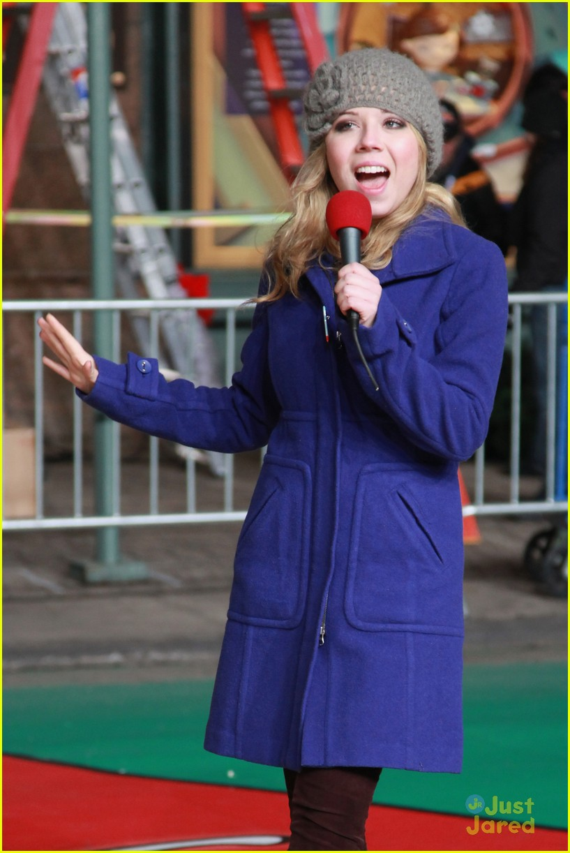 jennette mccurdy parade rehearsal 02