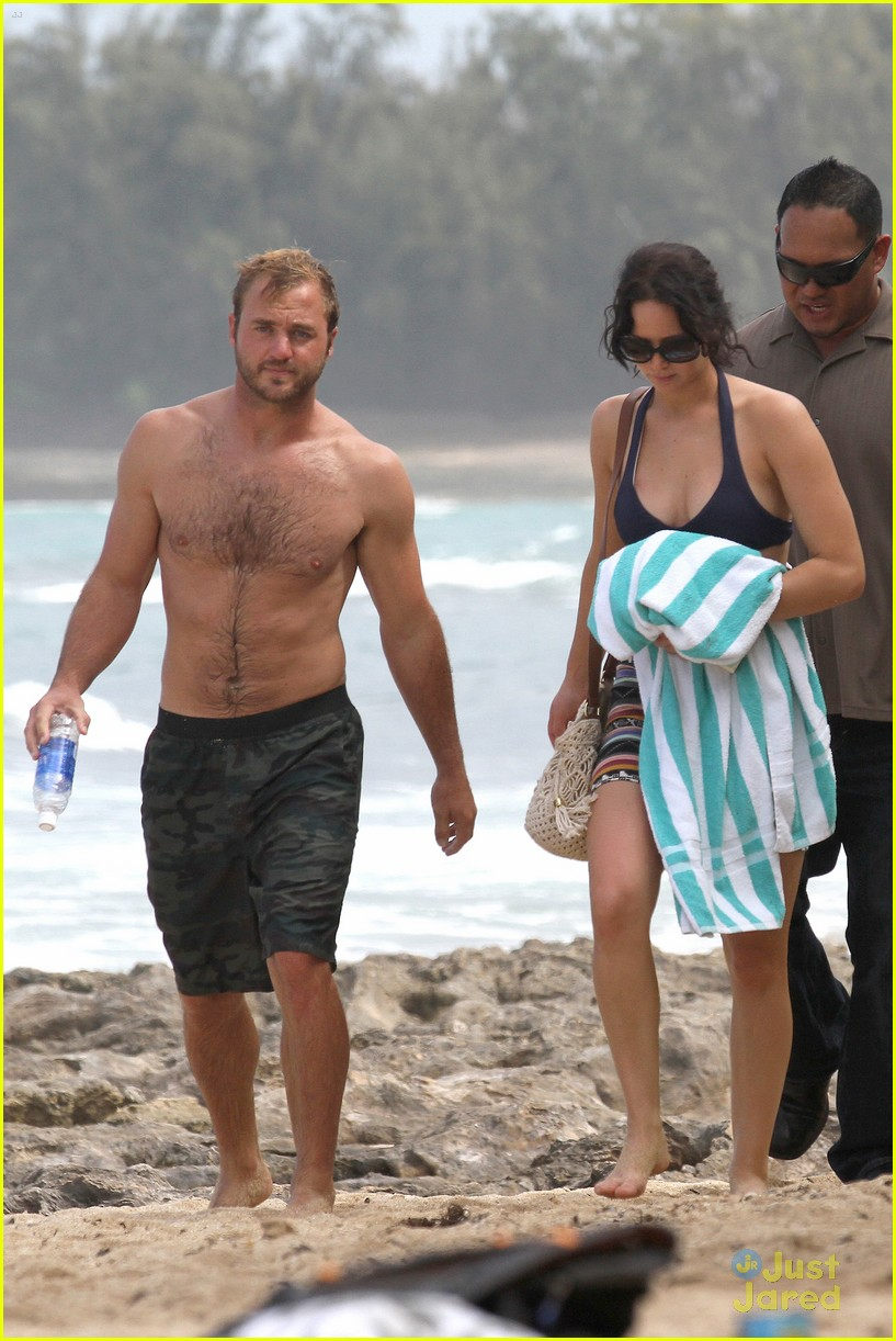 jennifer lawrence thanksgiving beach day 10