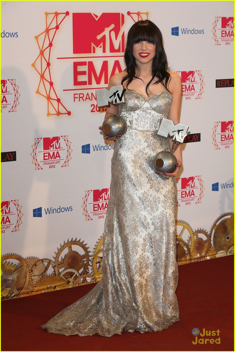 carly rae jepsen mtv emas 04