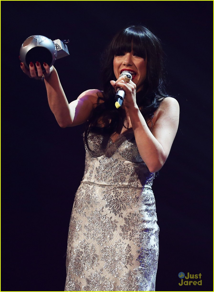 carly rae jepsen mtv emas 07