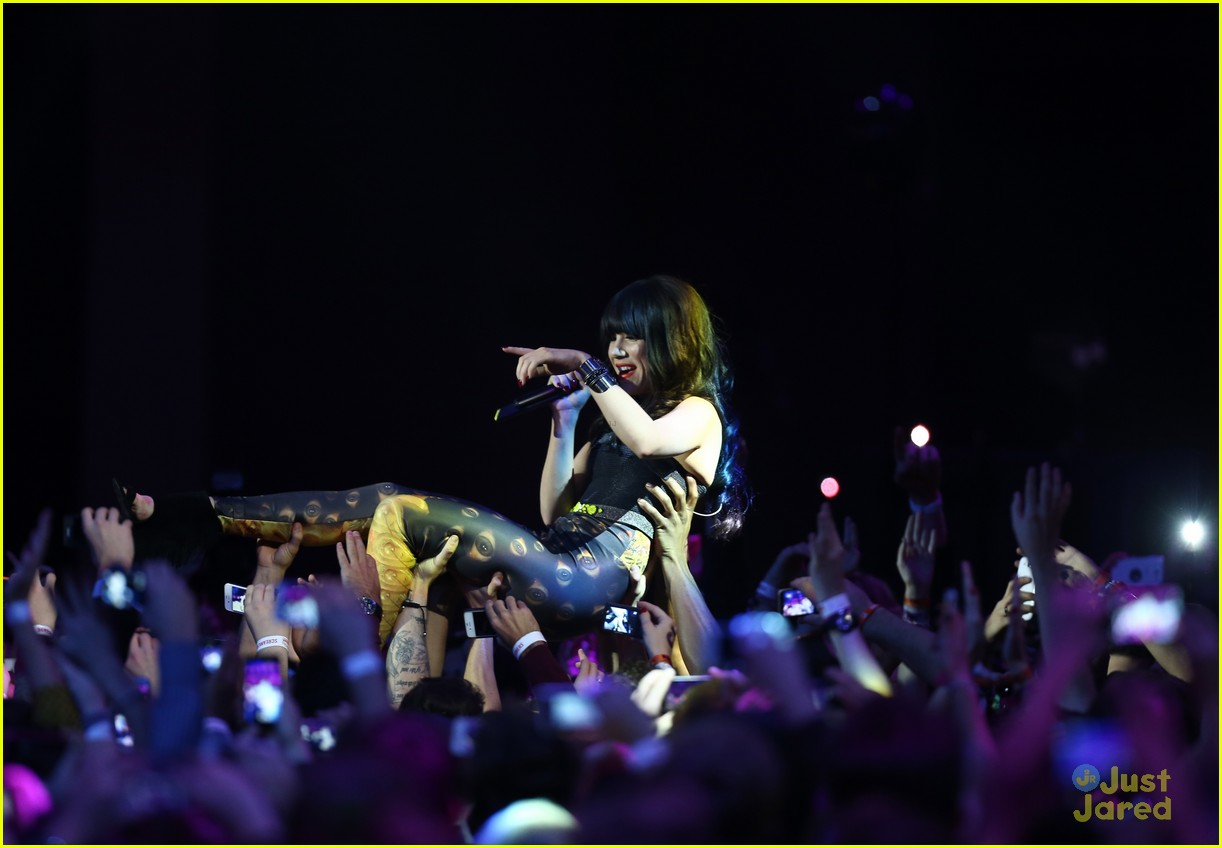 carly rae jepsen mtv emas 08