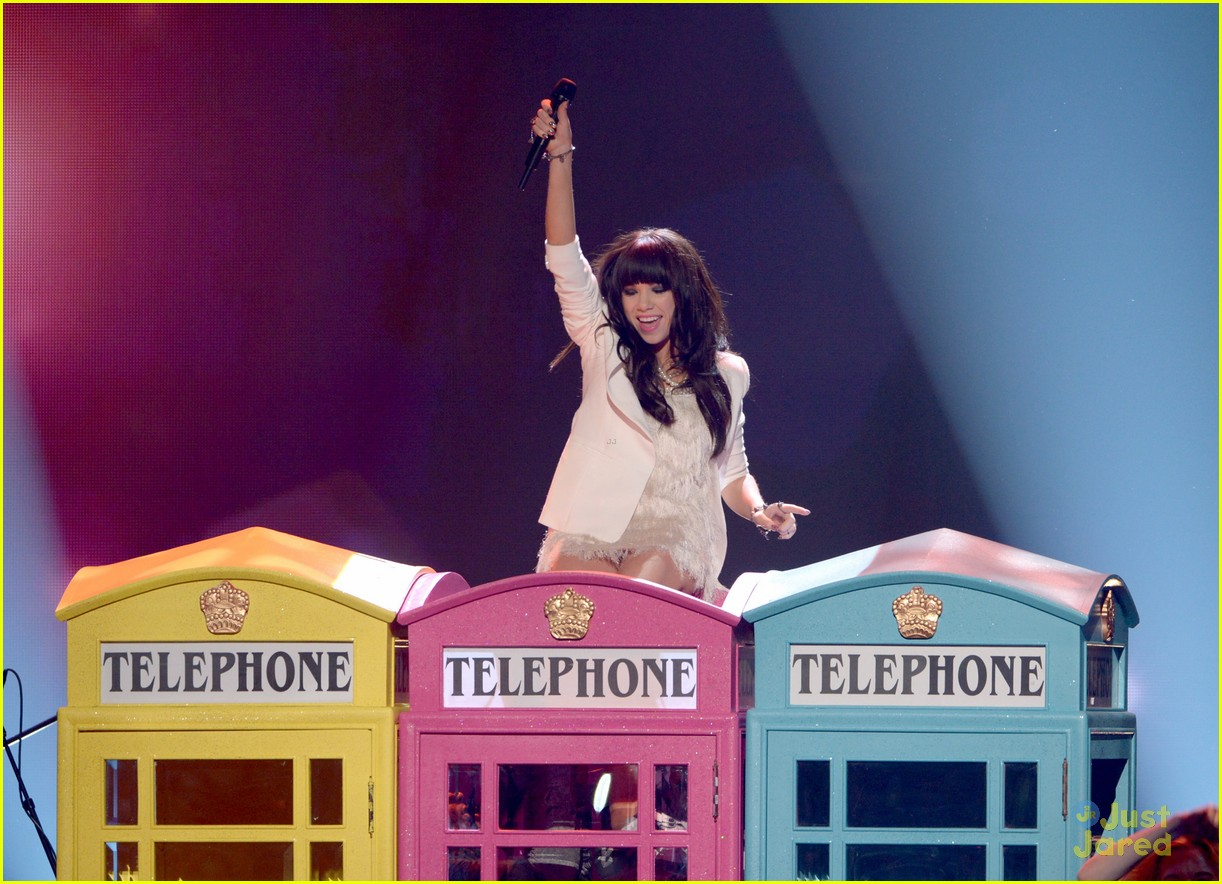 carly rae jepsen fave new artist 06