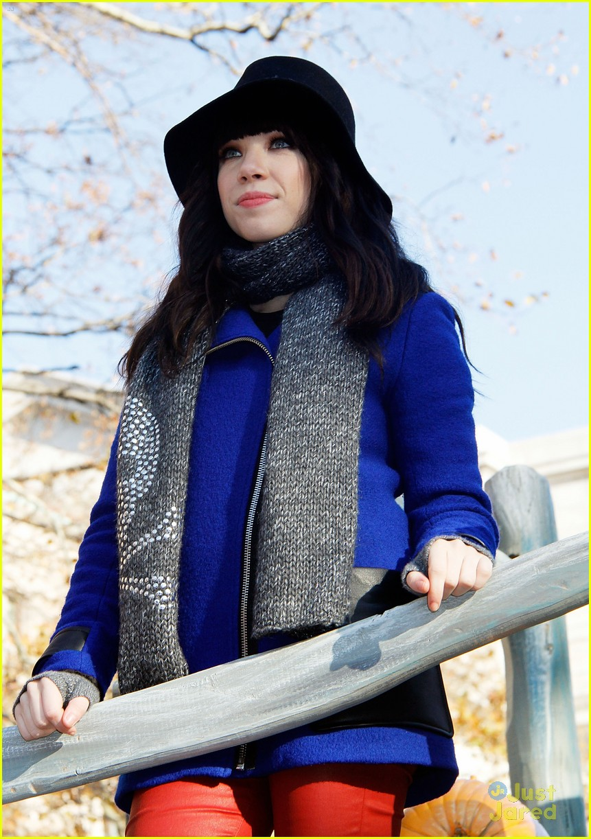 carly rae jepsen thanksgiving parade 20