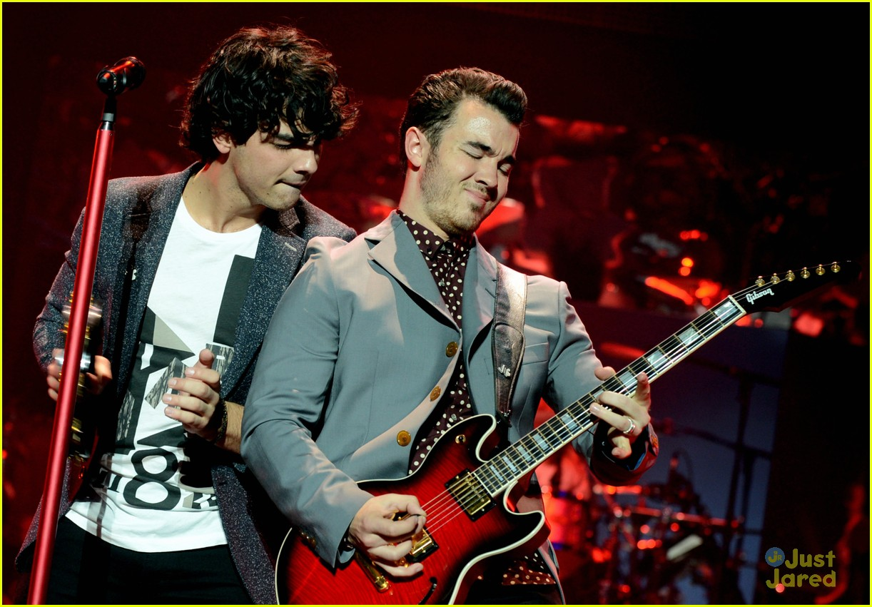 jonas brothers pantages concert 01