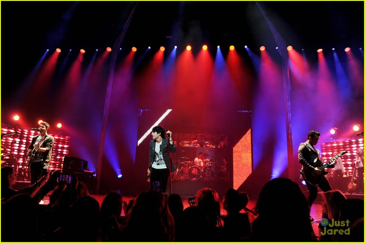 jonas brothers pantages concert 16