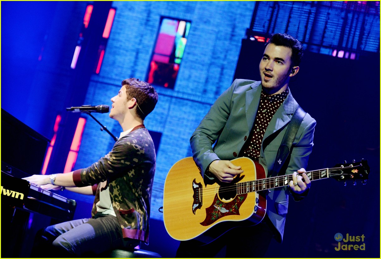 jonas brothers pantages concert 23