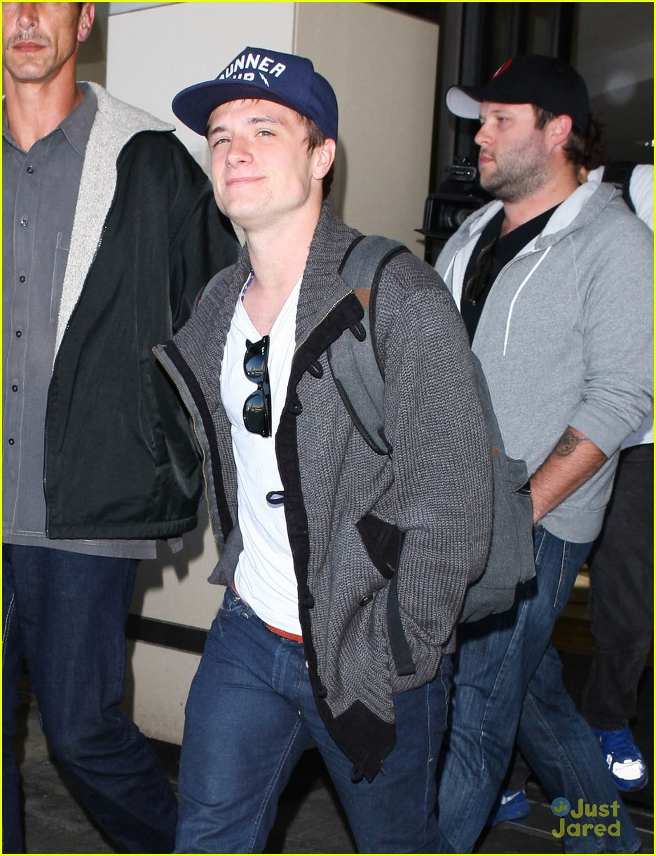 josh hutcherson jennifer lawrence lax 09