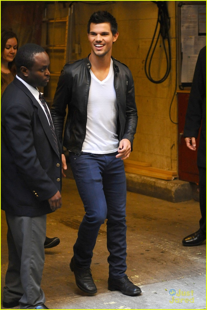 taylor lautner today stop 04