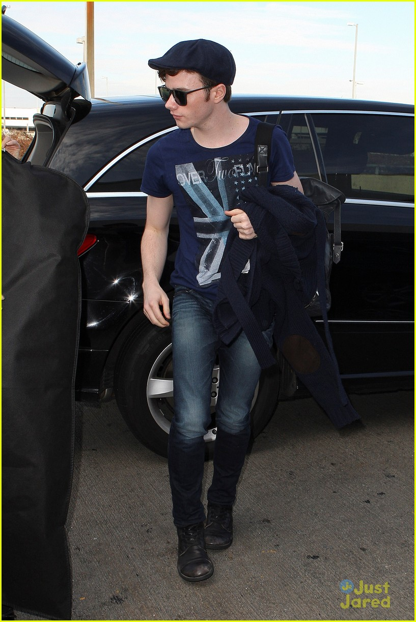 lea michele chris colfer jet to nyc for glee filming 06