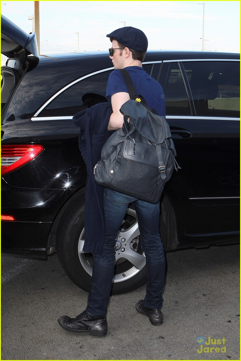 lea michele chris colfer jet to nyc for glee filming 10