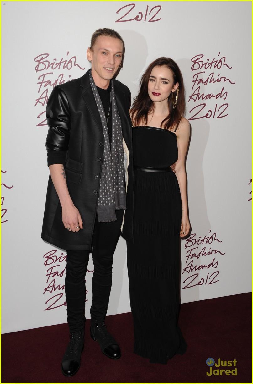 lily collins jamieb bower british fashion awards 04