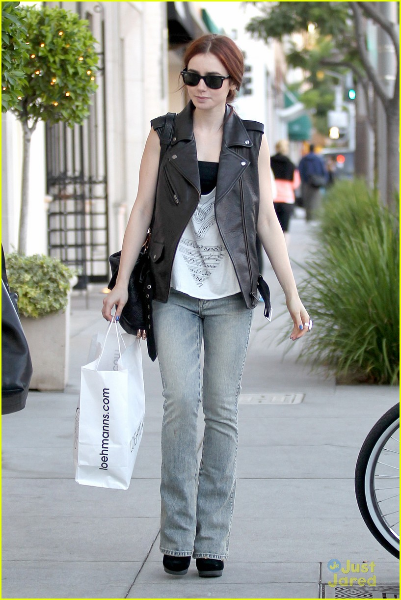 lily collins loehmanns shopper 02