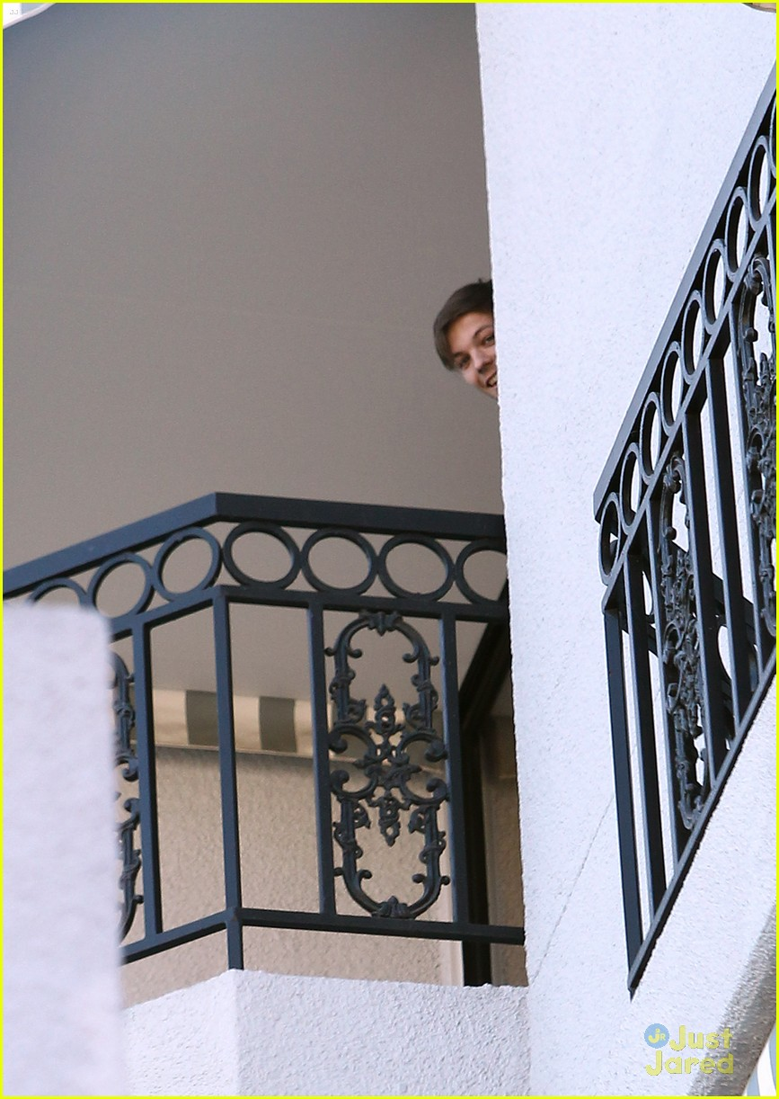 louis tomlinson liam payne balcony 02