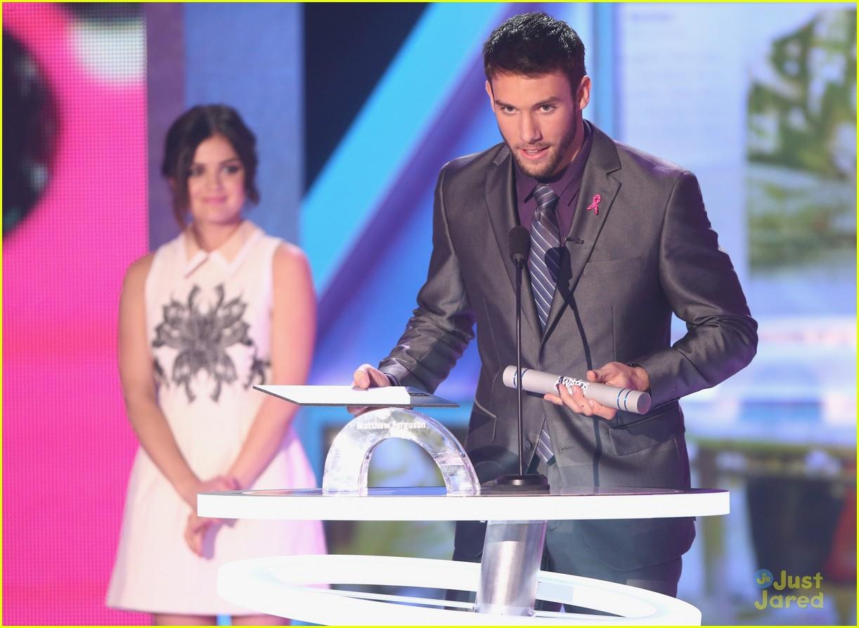 lucy hale amas halo awards 03