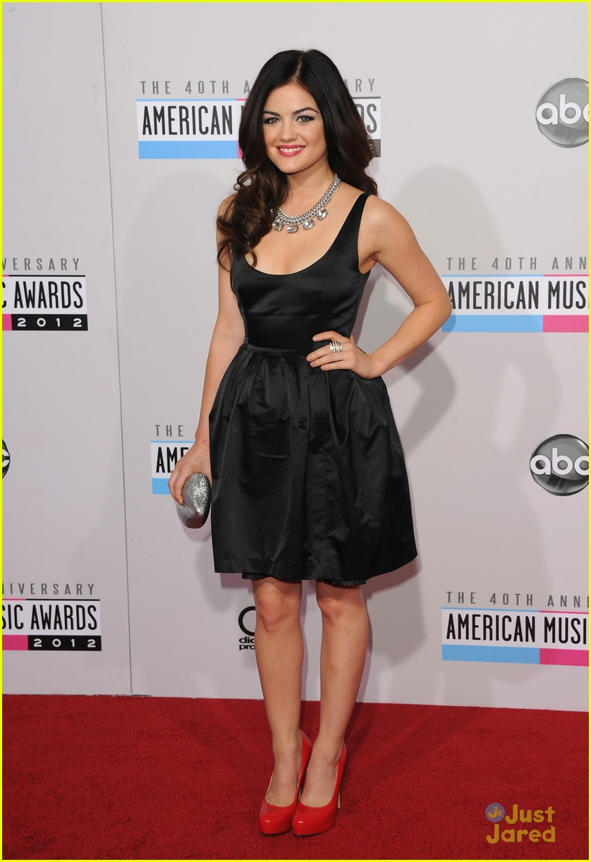 lucy hale amas halo awards 14