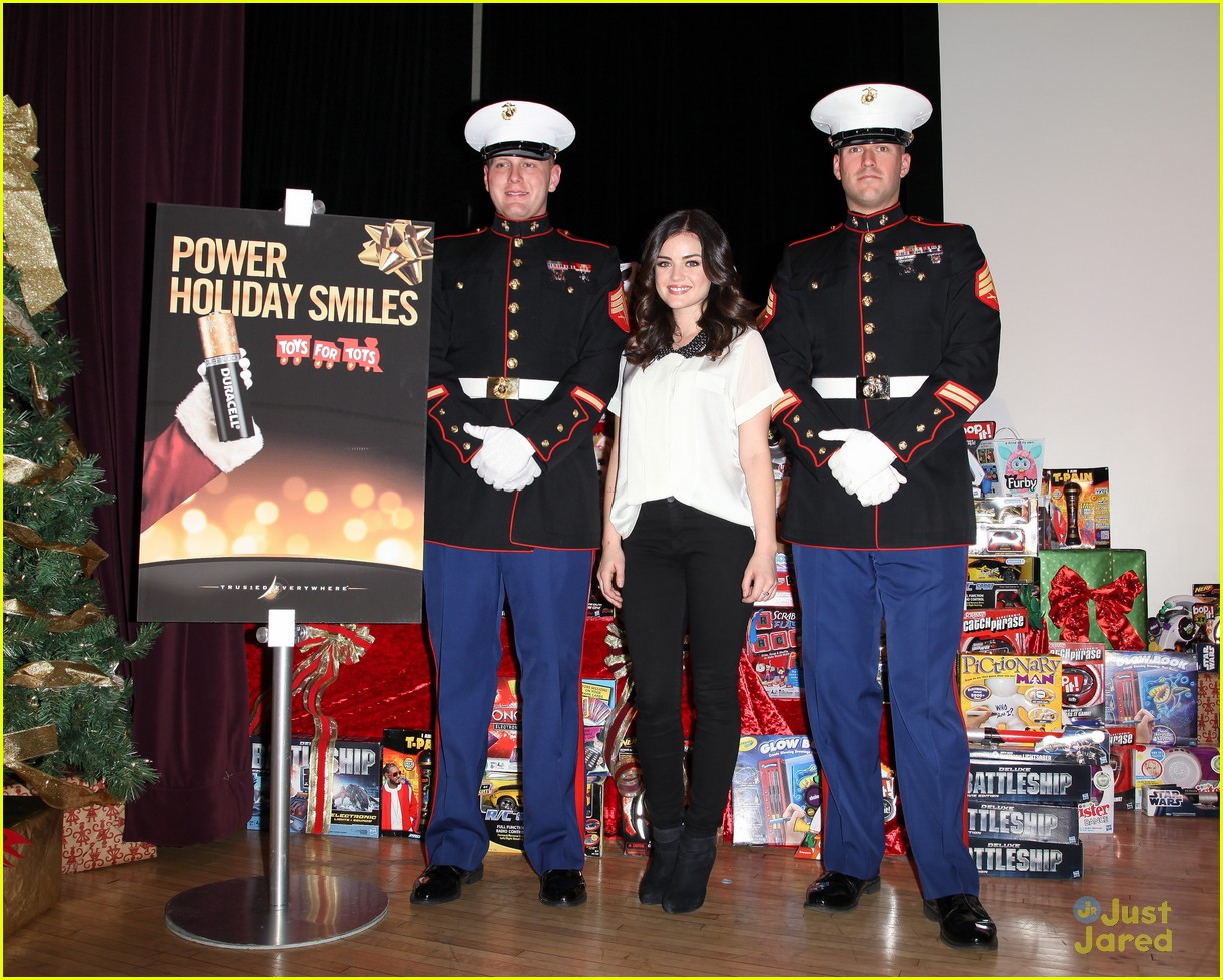 lucy hale duracell smiles campaign 04