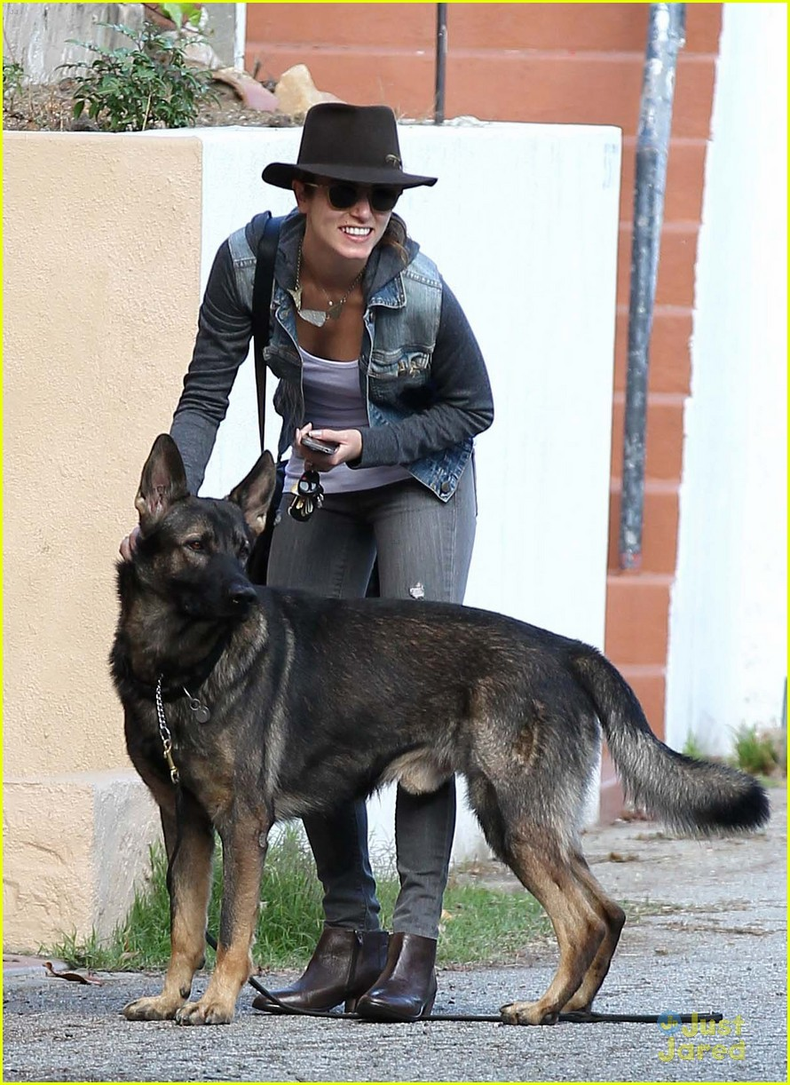 nikki reed grove enzo walk 11