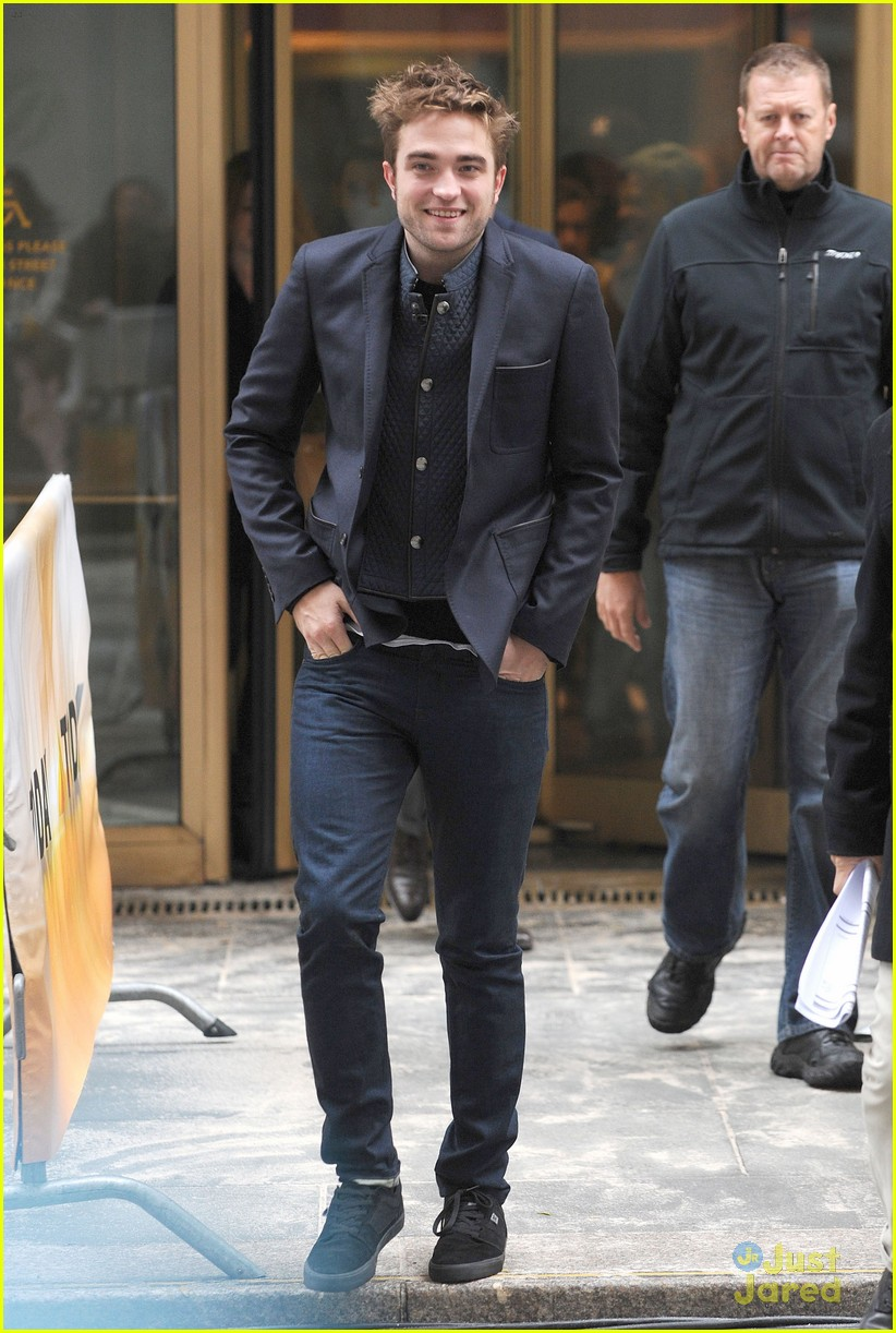 rob pattinson today show stop 02