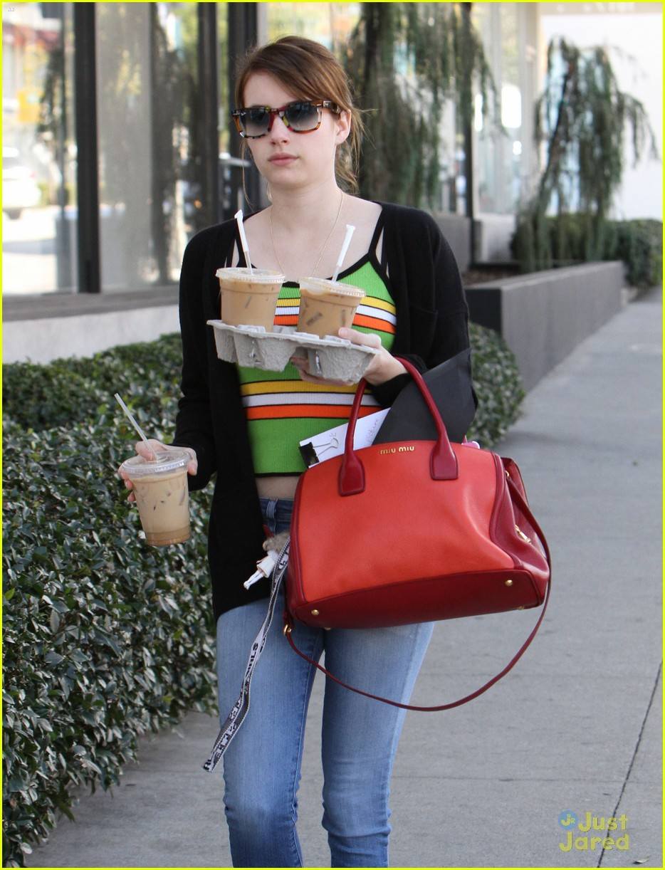 emma roberts iced coffee 03