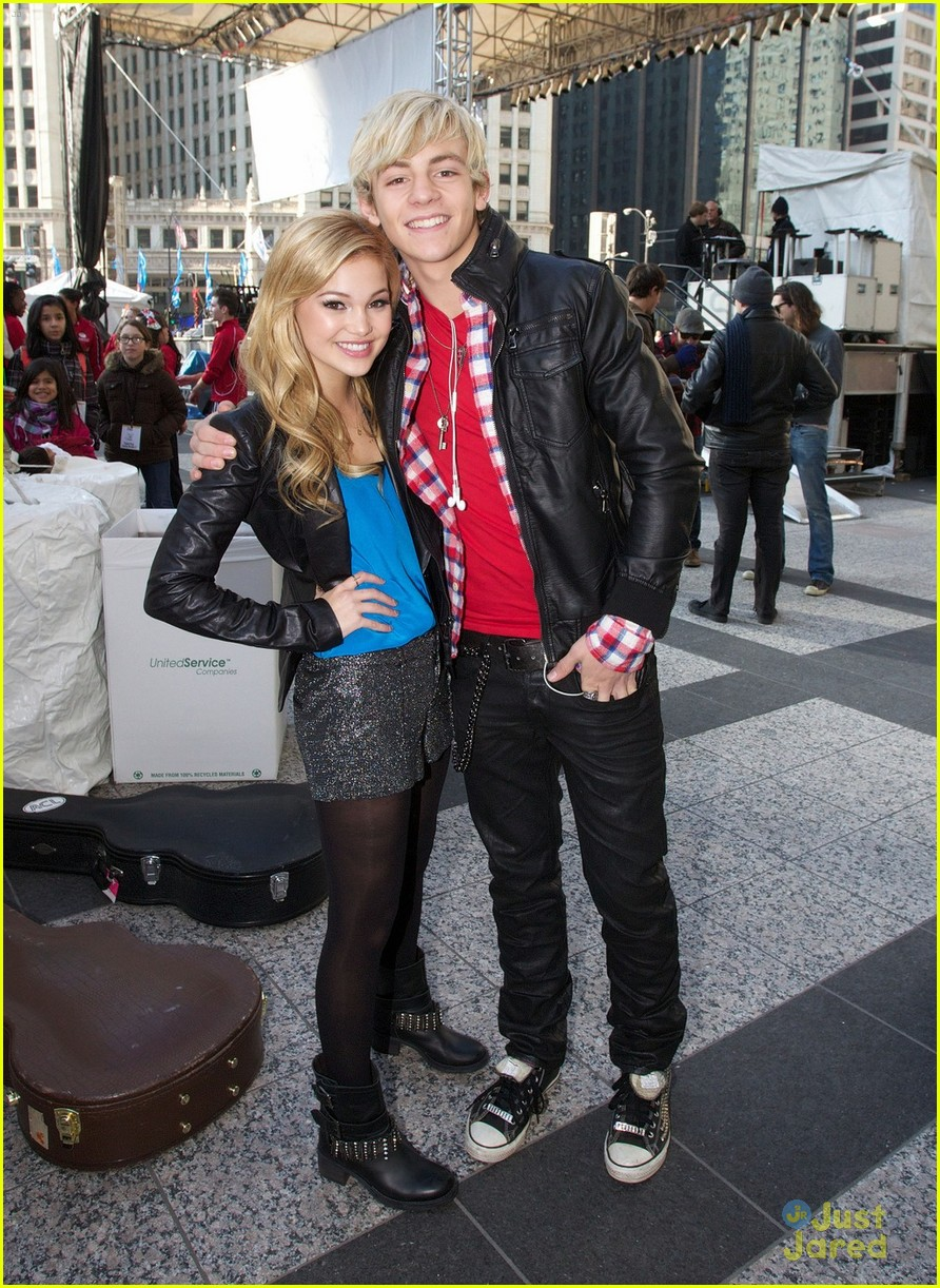 olivia holt ross lynch mag mile chicago 05