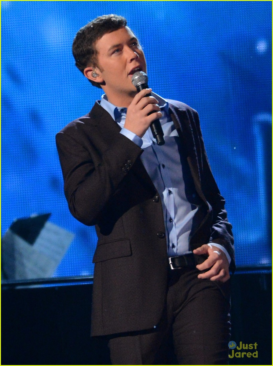 scotty mccreery country christmas 02