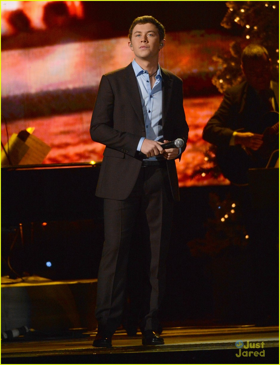scotty mccreery country christmas 06