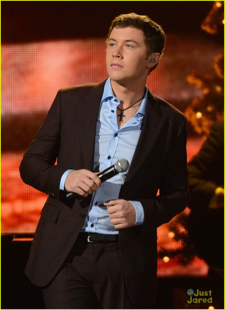 scotty mccreery country christmas 07