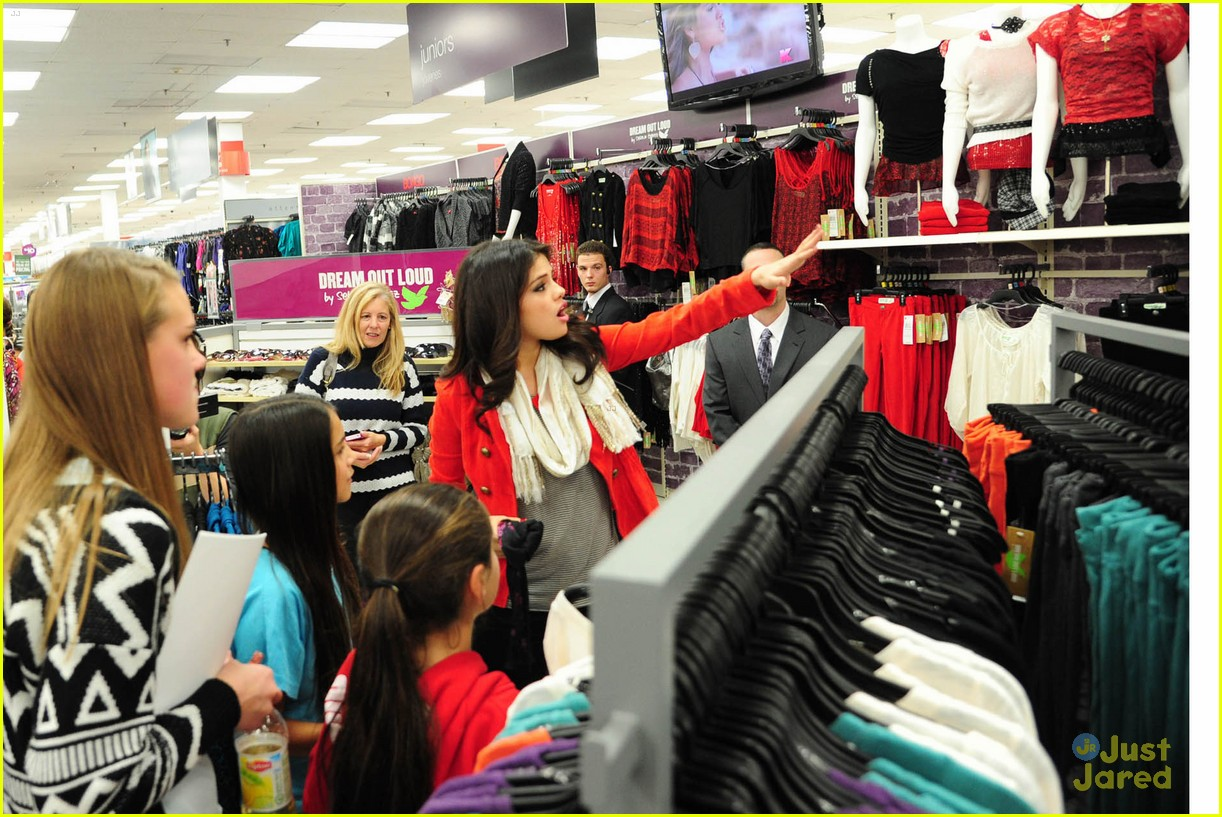 selena gomez kmart white plains 07
