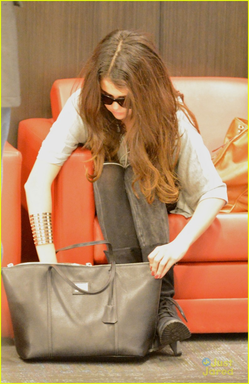 selena gomez flight post justin bieber split 04